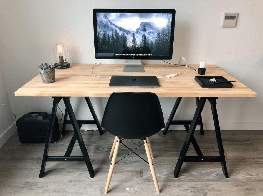 7 best minimalist desk setups for your workspace gridfiti. Black Bedroom Furniture Sets. Home Design Ideas