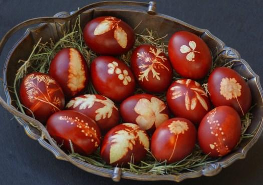 easter-eggs-3287633_1280.jpg
