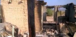 Asi quedaron las casas de los campesinos del ejido Gabino Vázquez tras la incursión criminal de un grupo de sicarios protegidos por el gobierno.