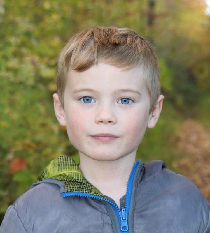 Zackaël Flintoff grieving mother death of child childloss accident 323 moose grief Namur Notre-Dame-de-la-Paix