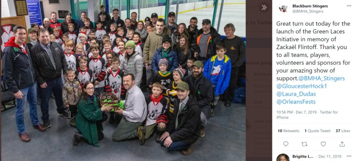 Hockey and community support – Le soutien à travers le hockey
