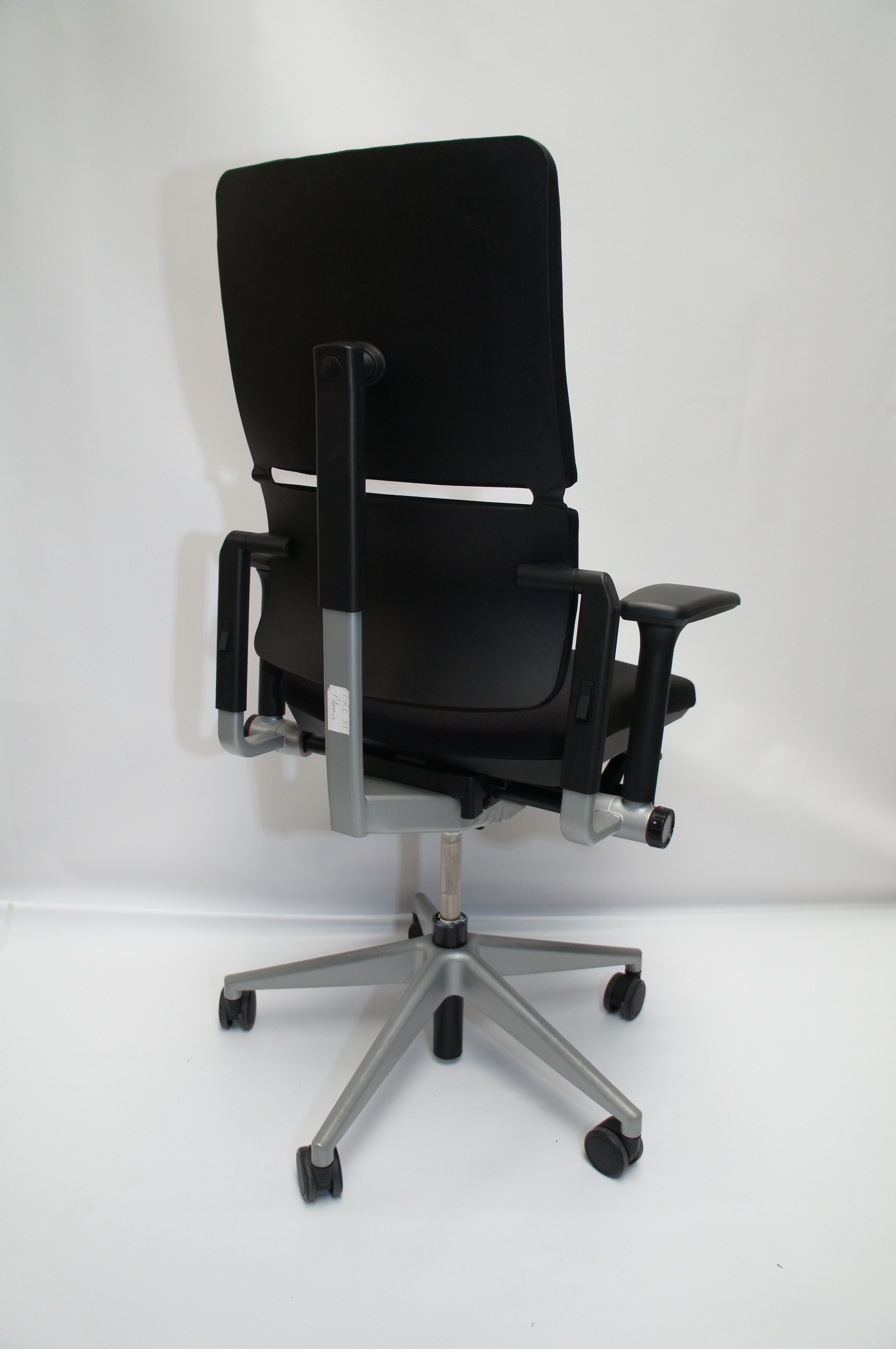 swivel chair not staying up stacking dining chairs steelcase please griffin office solutions