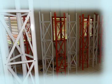 Torre Estaiada estoque