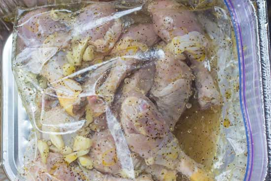 Grilled chicken marinade with garlic and black pepper - Tender and tasty grilled chicken - grilling24x7.com