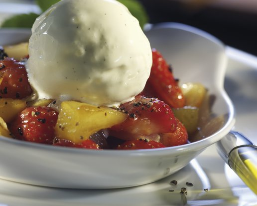 PEPPERY, FLAMBÉED STRAWBERRY-PINEAPPLE RAGOUT
