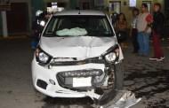 Una tizimileña se desmaya al volante, choca contra un poste y sale ilesa