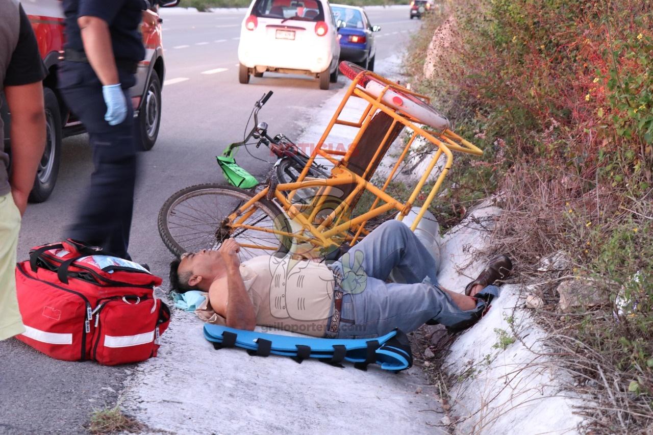 Un tanque de gas lleno le rompe la pierna, cuando lo llevaba a su casa