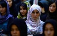 El gobierno de Afganistán incluye por primera vez a 52 mujeres en un negocio con Talibán