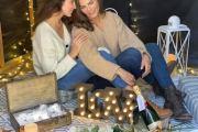 Montserrat Oliver le entrega el anillo a Yaya Kosikova