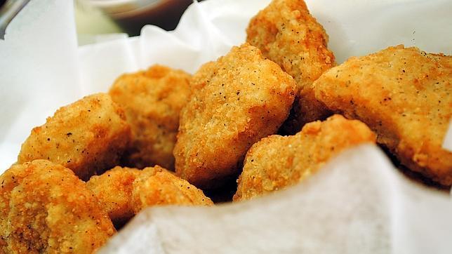 Retiran nuggets de pollo del mercado americano por estar contaminado con madera