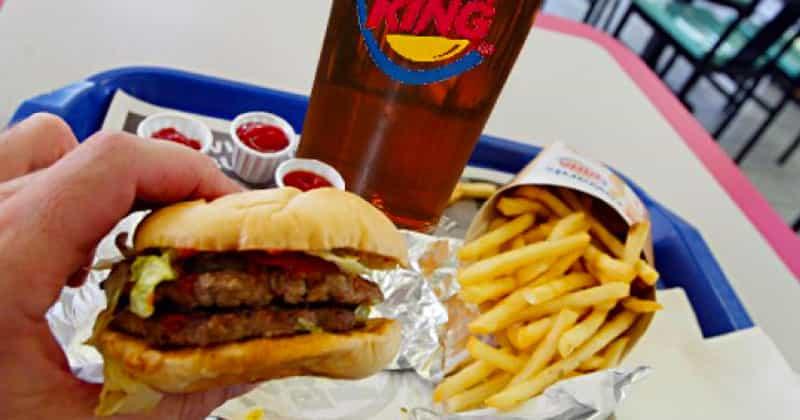 Demandó a Burger King por que no le dieron hamburguesas gratis de por vida