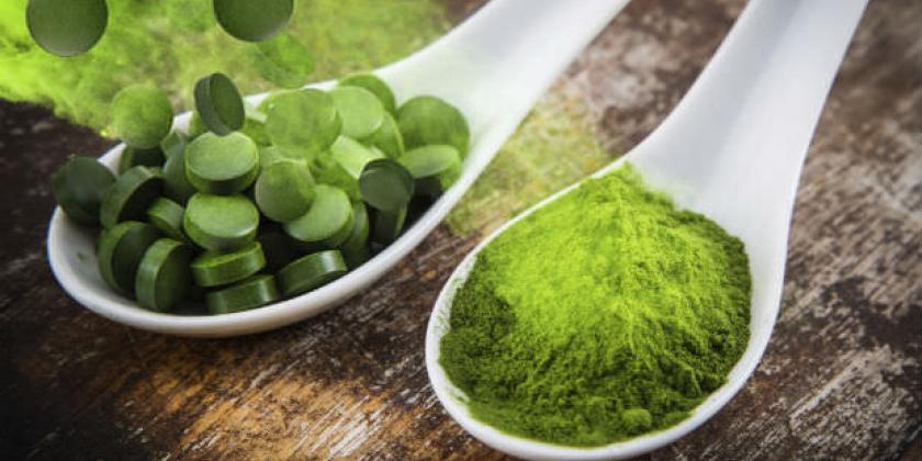 Consumir espirulina o algas azules ayuda a prevenir la hipertensión