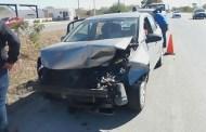 El conductor de un Sentra choca contra dos autos y provoca un caos vial, en el periférico