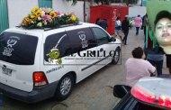 Dan el último adiós a la mujer Policía Astrid Palomo, en Río Lagartos