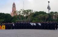 La Policía Municipal de Mérida rindió homenaje a la Bandera, en la Plaza Grande