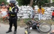 Se pasa un alto, atropella y lesiona a un motociclista, de 17 años, en Ticul