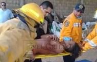 Grave en un hospital, luego de caer dentro de una revolvedora de zacate, en el rancho