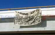 """Cuelgan y quitan rápido una """"narcomanta"""" en el puente Peto-Tzucacab"""