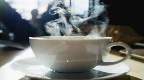 Tomar bebidas muy calientes te provoca cáncer de esófago