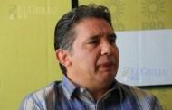 Placas de taxis y trabajo, para gente de Cuevas Mena, denuncian en el PRD