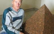 Intentará hacer la pirámide más grande con un millón de centavos