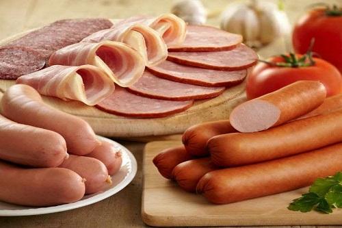 La proteína, la sal y el alcohol dañan el hígado