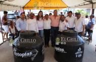 Cecilia, Chucho y Arturo inician campaña comprando votos