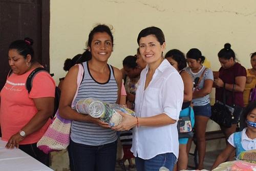 Pamerine entregó 72 despensas a niños en situación vulnerable de Progreso