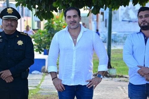 Inicia el remozamiento del parque de la colonia Héctor Victoria de Progreso