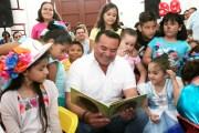 """Renán Barrera inauguró el programa """"Animación lectora"""" en colaboración con la sociedad civil"""