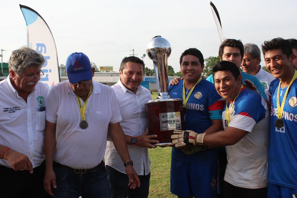 Los Beduinos completan la hazaña y se coronan en la Liga Élite Municipal de fútbol, ante la Madero