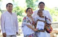Reconocen a promotores de la Cultura Maya