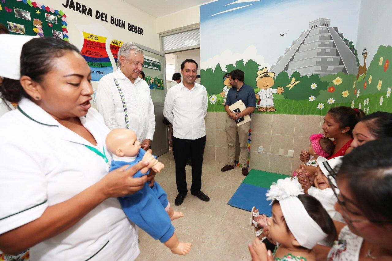 AMLO promete mejorar las instalaciones y el servicio de los hospitales de Izamal y Acanceh