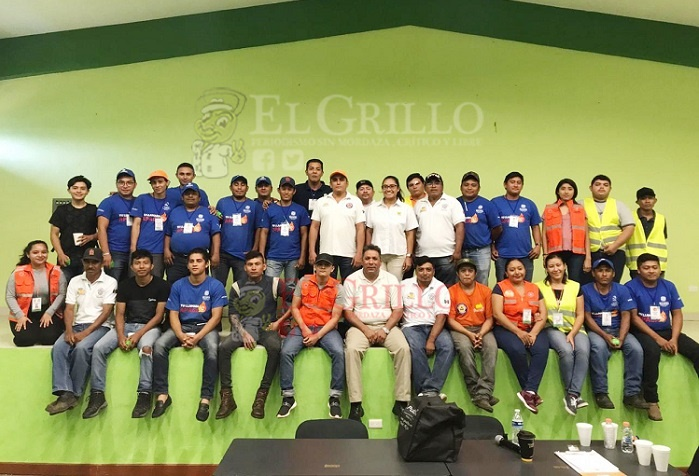 Capacitan a personal de restaurantes de Oxkutzcab, en primeros auxilios