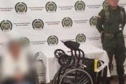 Abuelita de 81 años quería traficar 17 kilos de droga en su silla de ruedas