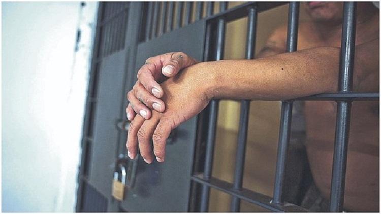 """Ocho años de cárcel al """"Diablito"""", por robar trece mil dólares, joyas y relojes"""