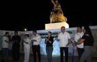 Julián Zacarías reinauguró  el monumento que honra a los hombres caídos en el mar