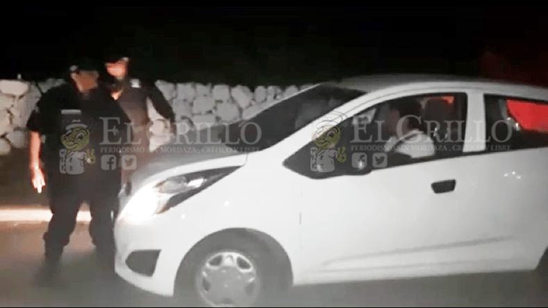 Cantinero ebrio le echa un auto encima a policías de Seyé, para que no lo detengan