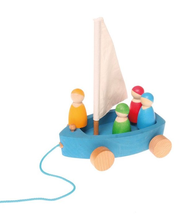 Jacht z 4 żeglarzami