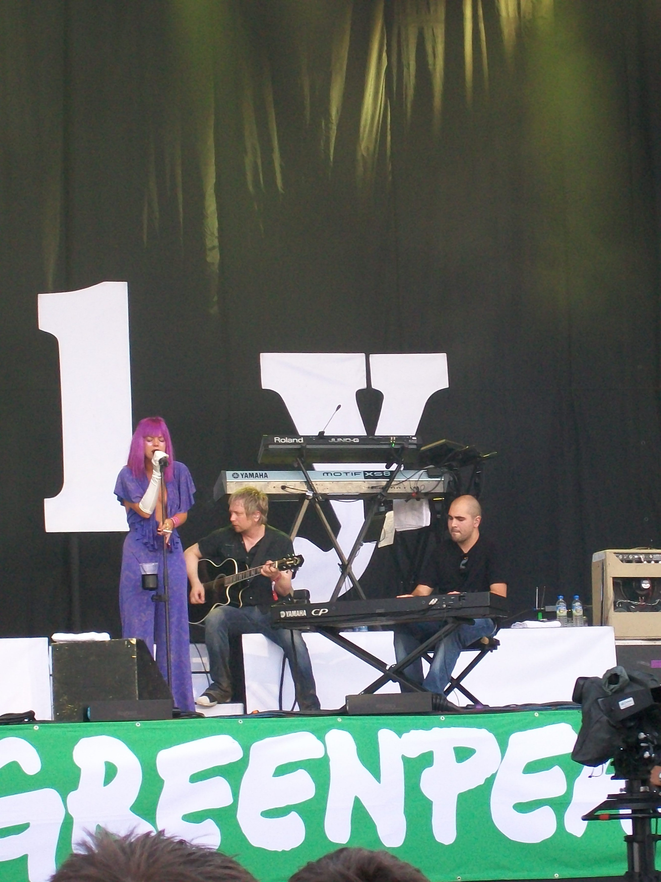 Lily Allen (Pyramid Stage)