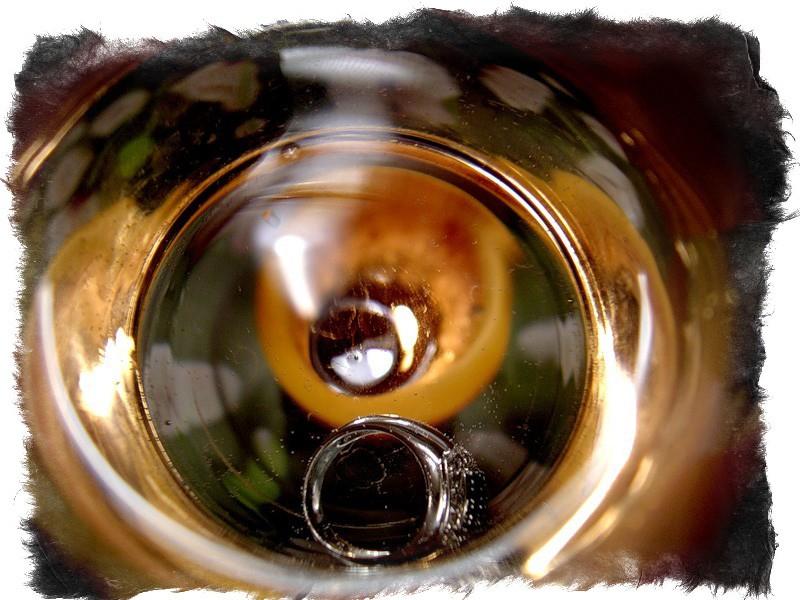 Гадание на стаканах и значение с водой с сахаром солью с кольцом