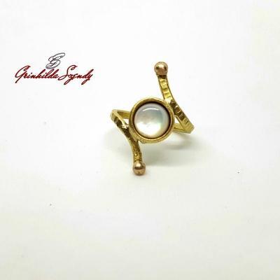 Grinhilda Szendy - Créatrice de bijoux en laiton et bronze - 100% made in France