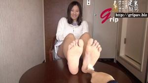 素人OL M男踏み踏み愛人契約/ツ●ッターで知り合った菜乃ちゃん