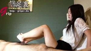 くすぐり舐めに弱い&器用な足責め反応の良い敏感足裏と大射精に導く足コキ/篠原ゆず