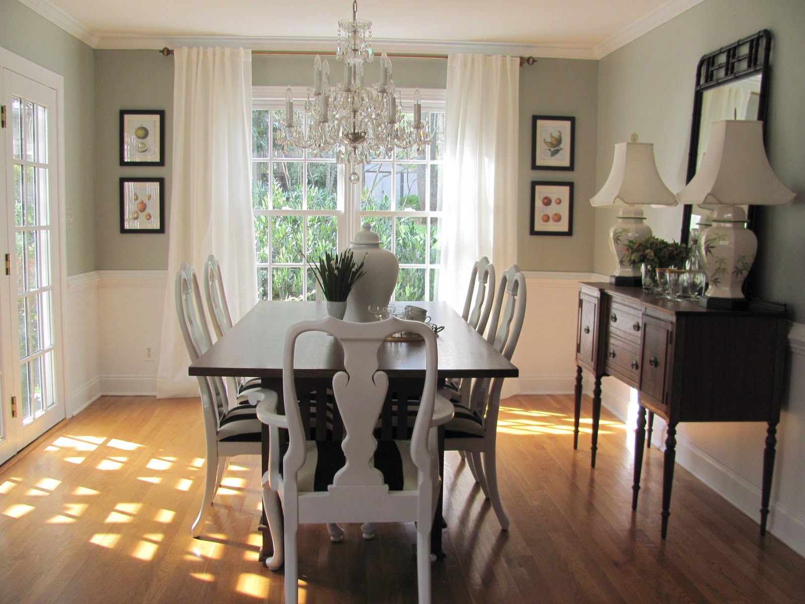 Chair Rail Ideas For Dining Room Part - 42: Standard Dining-room. Chair Rail Height Ideas