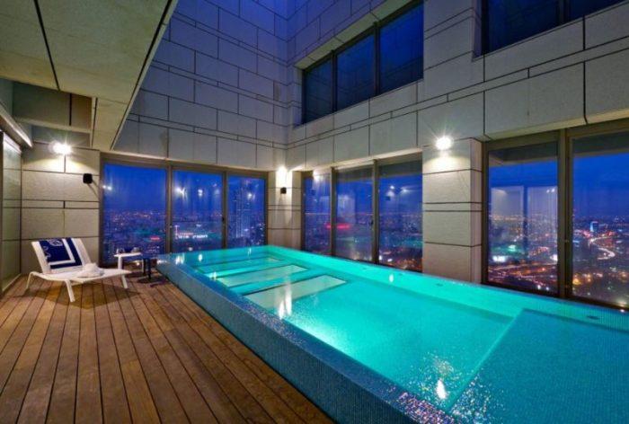 choosing swimming pool
