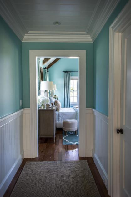 cute bathroom wainscoting