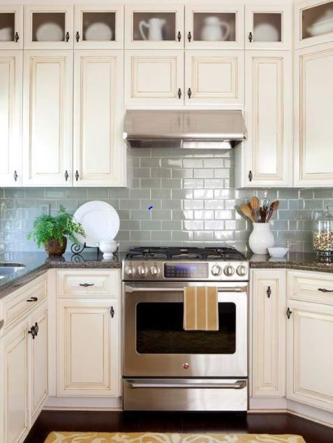 kitchen small backsplash