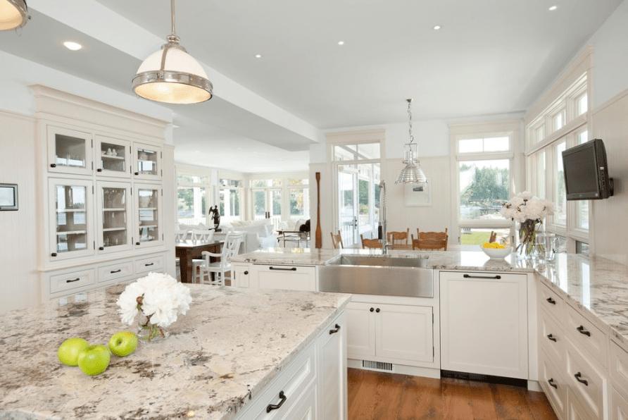 10 Antique White Kitchen Cabinets That Jazz Your Kitchen Up