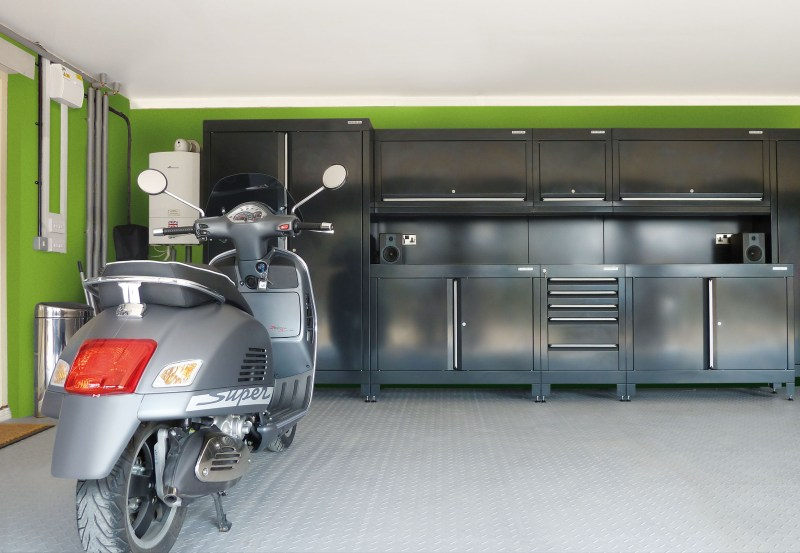 Fresh and Green Garage